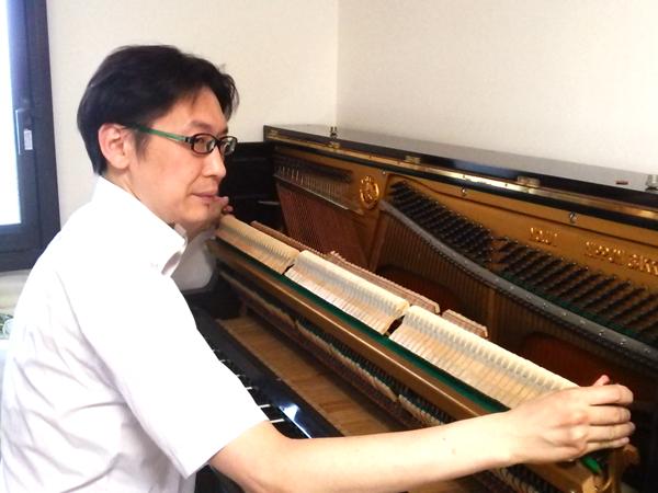 ピアノ調律師 小林弘児